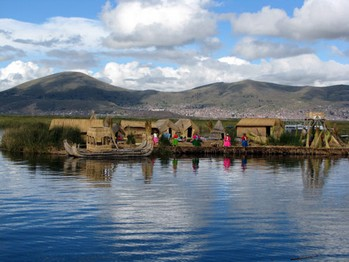 15 Utflykt med båt till flytande vassöar